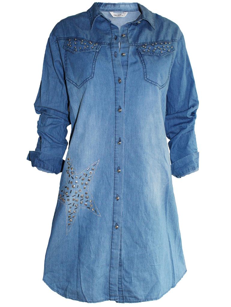 5cc669740f3 Дамска дънкова рокля-риза- с декорация звезда от сребристи мъниста ...