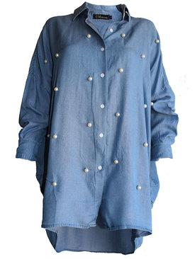 3b09d0b06b8 Дамска дънкова риза с копчета и яка декорация едри перли синьо