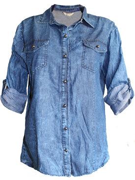 770dcf3258e Дамска дънкова риза със сребристи мъниста на гърба
